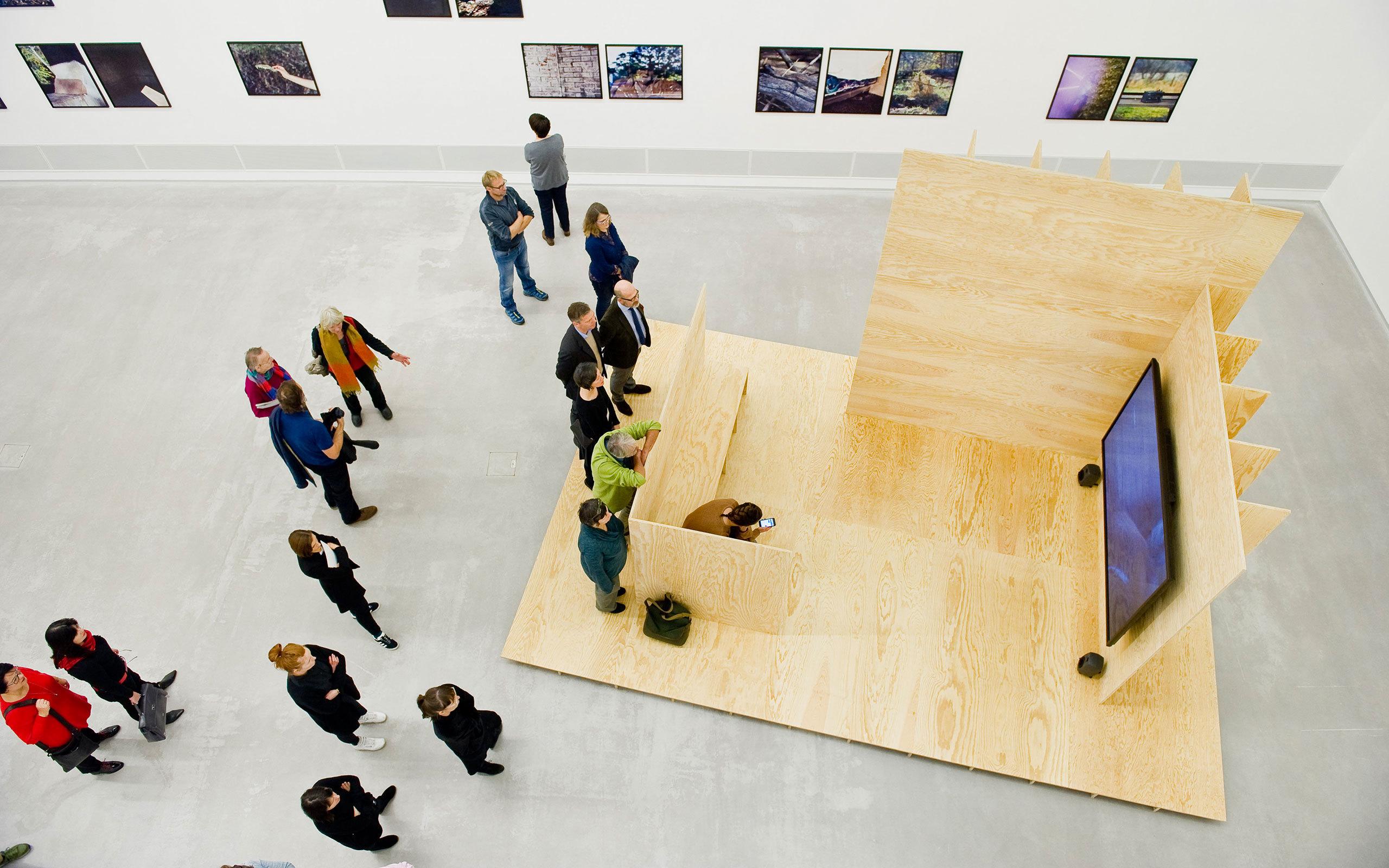 Berlinische Galerie Ausstellungsansicht Cyrill Lachauer What Do You Want Here Photo Benjamin Pritzkuleit 3